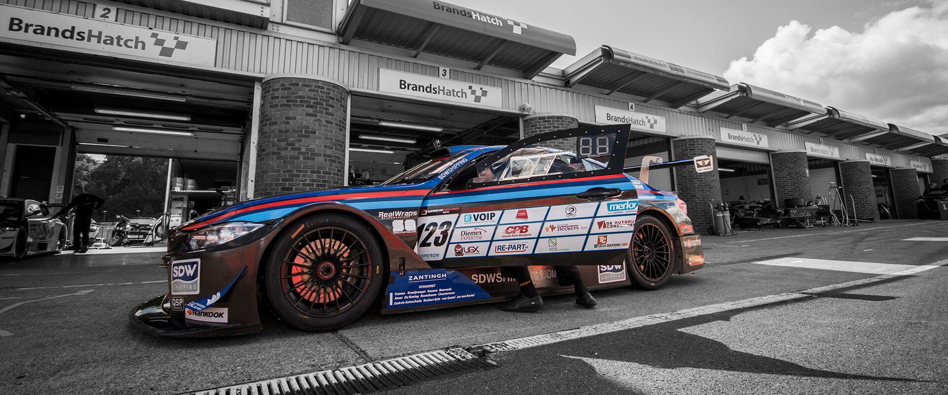 M4 pit Brands Hatch